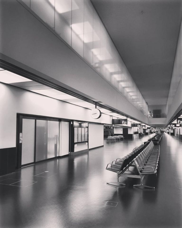 [An/auf/in der Luft]: Flughafen Wien – Vienna